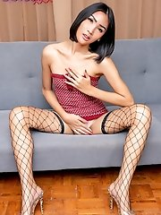 Tall and slim ladyboy Oh from Pattaya!